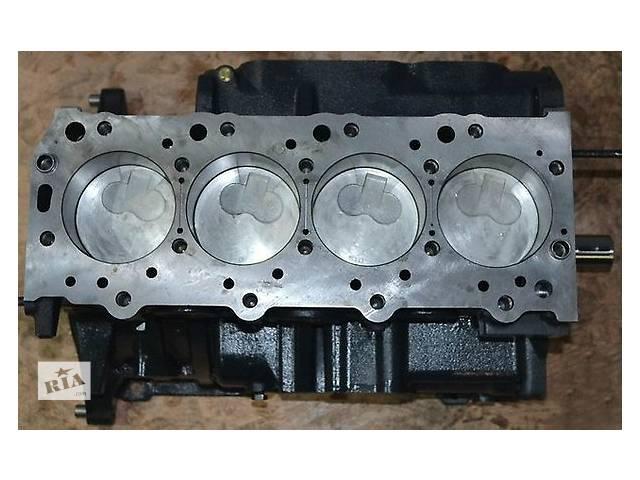 купить бу Б/у блок двигателя для легкового авто Mitsubishi Pajero 2.4 в Ужгороде