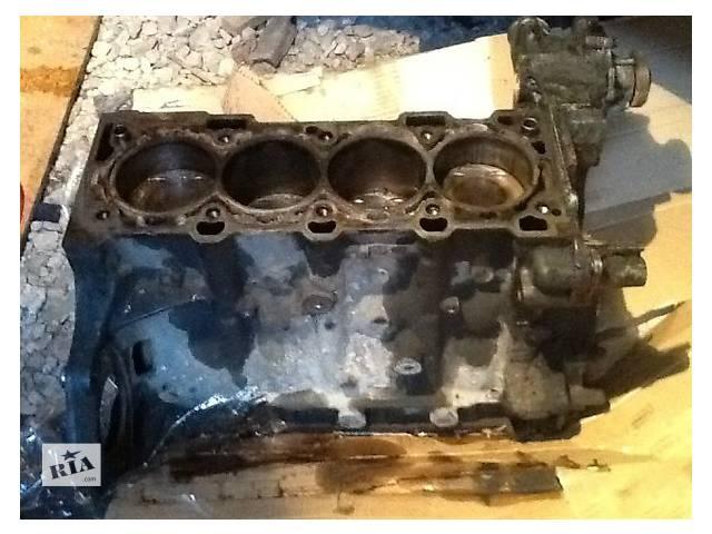 купить бу Б/у блок двигуна для легкового авто Opel Astra H Sedan 1.6 в Ужгороде