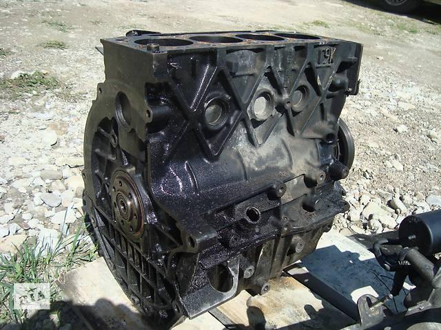 бу Б/у блок двигуна для легкового авто Opel Vivaro в Долине (Ивано-Франковской обл.)