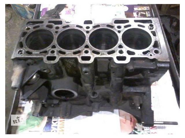 купить бу Б/у блок двигуна для легкового авто Renault Kangoo 1.6 в Ужгороде