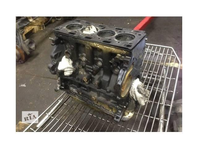 бу Б/у блок двигуна для легкового авто Renault Laguna 2.0 dci в Ужгороде