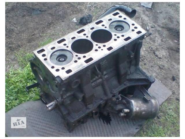 купить бу Б/у блок двигуна для легкового авто Renault Laguna 2.2 d в Ужгороде