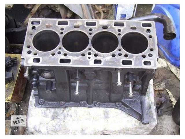 Б/у блок двигуна для легкового авто Renault Master 2.5 dci- объявление о продаже  в Ужгороде