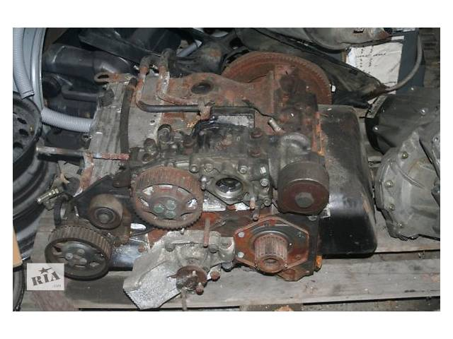 бу Б/у блок двигуна для легкового авто Renault Master 2.8 dti в Ужгороде