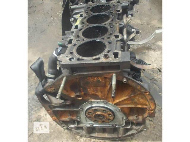 продам Б/у блок двигуна для легкового авто Renault Trafic 2.0 dci бу в Ужгороде