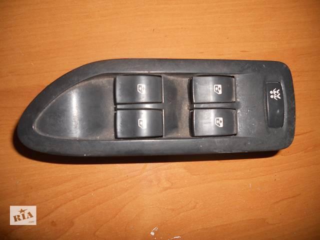 купить бу Б/у блок кнопок  для легкового авто Renault Trafic,Clio в Березному