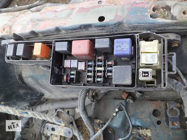 бу Б/у блок предохранителей 82720-05010  для седана Toyota Avensis 1999г в Киеве
