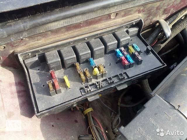 продам Б/у блок предохранителей для легкового авто ВАЗ 2107 бу в Чернигове