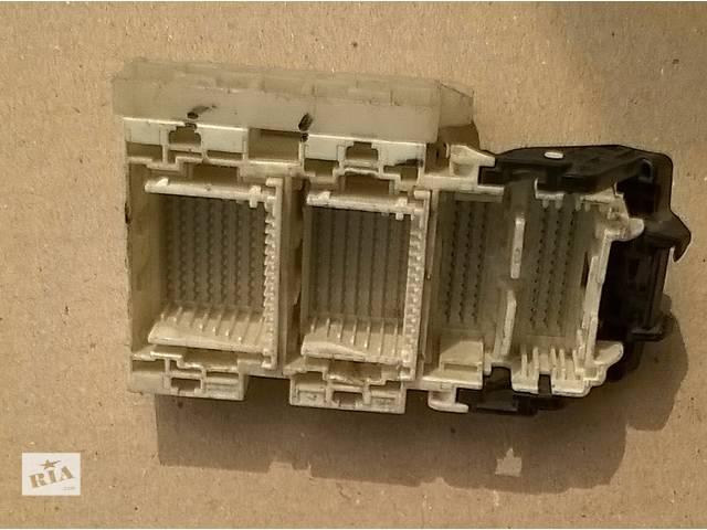 бу Б/у блок реле (Блок контактов распределителя) 82671-33070 для седана Toyota Camry SV40 2008 г в Киеве