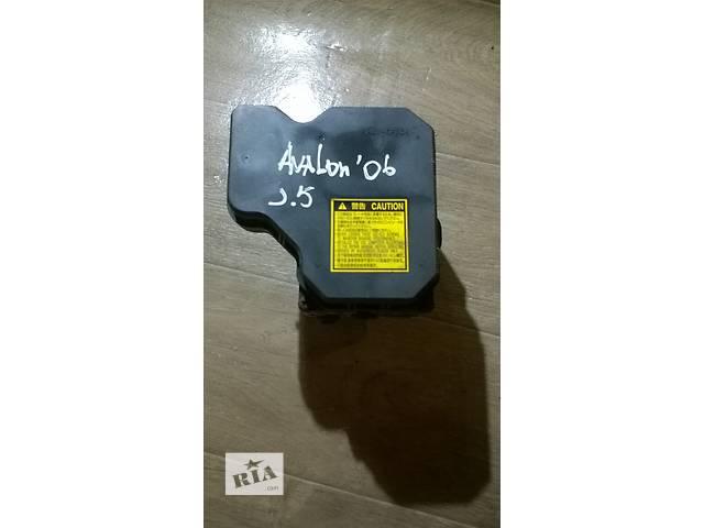 продам Б/у блок управления abs 44050-07010 для седана Toyota Avalon 2006г бу в Киеве