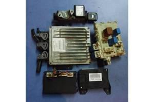 б/у Блоки управления двигателем Nissan Almera