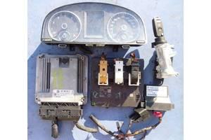б/у Блок управления двигателем Volkswagen Touran