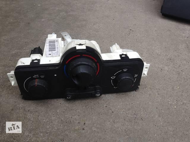 купить бу Б/у блок управления печкой/климатконтролем для легкового авто Renault Megane II в Бучаче
