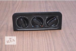 б/у Блоки управления печкой/климатконтролем Volkswagen Passat
