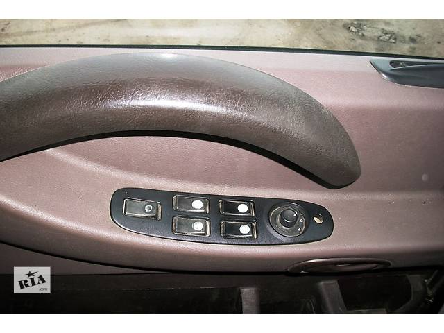 купить бу Б/у блок управления стеклоподьёмниками для грузовика Renault Magnum E-TECH (Рено Магнум) 440, 480 Evro3 в Рожище