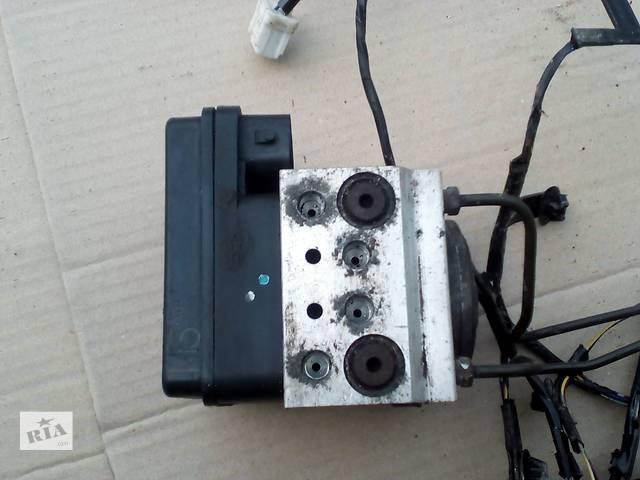 купить бу Б/у блок управління abs MN102451 для легкового авто Mitsubishi L200 (Митсубиши Л 200) в Ровно