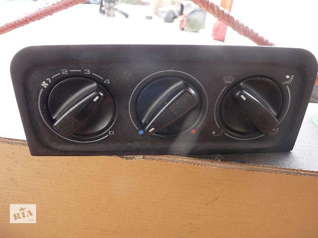 купить бу Б/у блок управління пічкою/кліматконтролем для хетчбека Volkswagen Golf IIІ 1996 в Львове