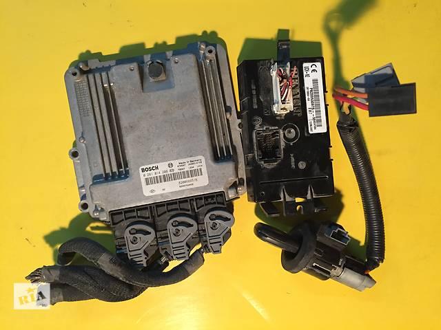 продам Б/у бортовой компьютер для легкового авто Opel Vivaro бу в Ковеле