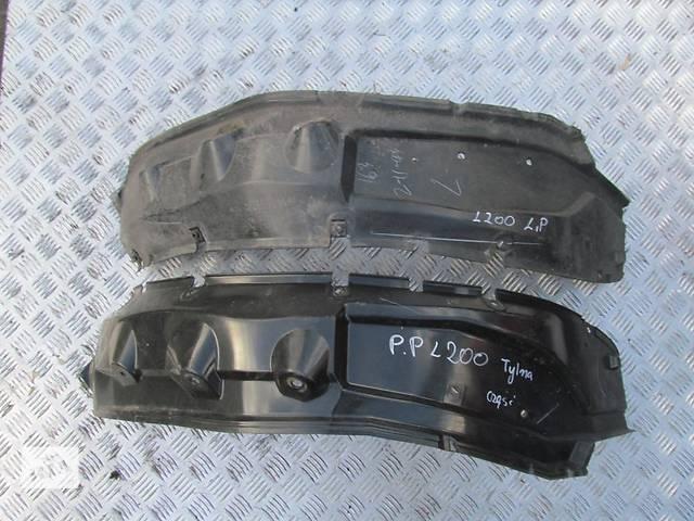купить бу Б/у брызговики и подкрылки для кроссовера Mitsubishi L 200 в Ровно