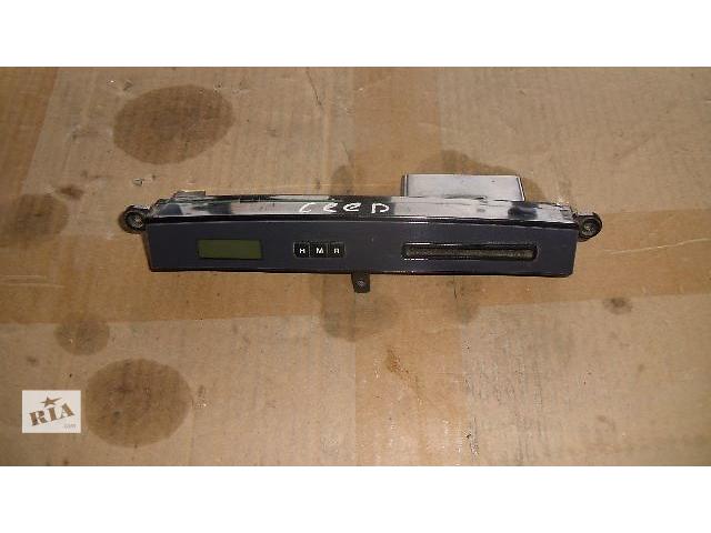 продам Б/у часы цыфровые салона для легкового авто Hyundai Tucson 2007 бу в Коломые
