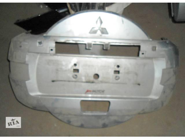 продам Б/у чехол запасного колеса для легкового авто Mitsubishi Pajero Wagon бу в Ровно