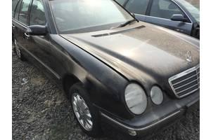 б/у Четверти автомобиля Mercedes 210
