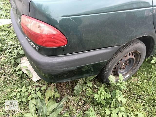 купить бу Б/у четверть автомобиля задняя правая 61601-05070  для седана Toyota Avensis 1999г в Киеве