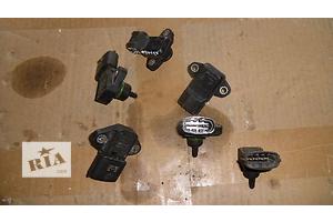 б/в Датчики тиску масла Mitsubishi Lancer