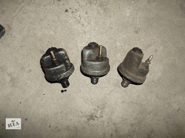 купить бу Б/у датчик давления масла для седана Mercedes 124 1991 в Днепре (Днепропетровск)