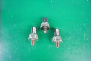 б/у Датчики давления топлива в рейке Citroen C5