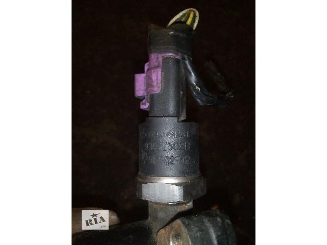 бу Б/у датчик давления топлива в рейке для легкового авто Ford Connect 1.8tdci (9307z502b) в Ковеле