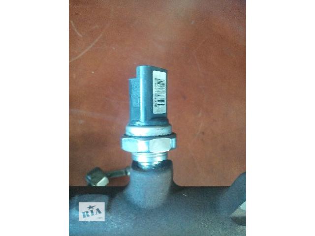 продам Б/у датчик давления топлива в рейке для легкового авто Renault Kangoo 1.5dci(siemens) бу в Ковеле
