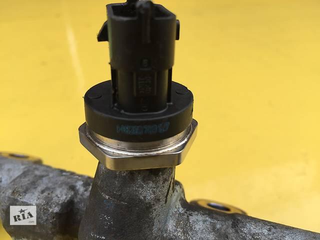 продам Б/у датчик давления топлива в рейке для легкового авто Renault Trafic бу в Ковеле
