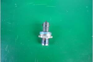 б/у Датчик давления топлива в рейке Nissan Primastar груз.