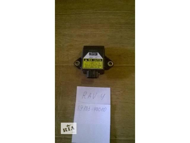 бу Б/у датчик курсовой устойчивости 89183-48010 для кроссовера Toyota Rav 4 2002г в Киеве