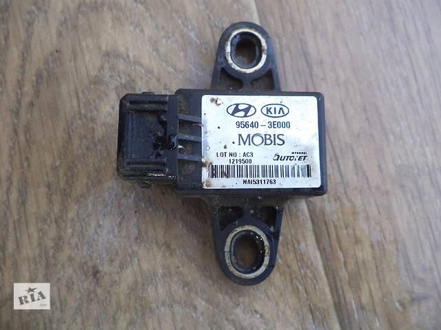 бу Б/у датчик скорости вращения колеса 95640-3E000 для кроссовера Kia Sorento 2002-2006г в Киеве