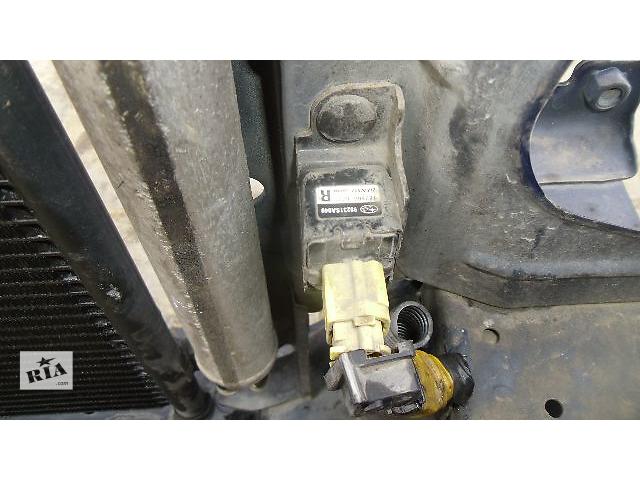 продам Б/у датчик удара передний правый для легкового авто Subaru Forester бу в Коломые