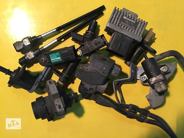 продам Б/у датчики и компоненты для легкового авто Opel Vivaro бу в Ковеле