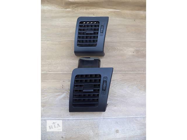 Б/у дефлектор центральный правый 55680-48050-C0 для кроссовера Lexus RX 350 2007г- объявление о продаже  в Николаеве