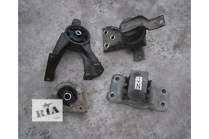 б/у Подушки мотора Mitsubishi Lancer
