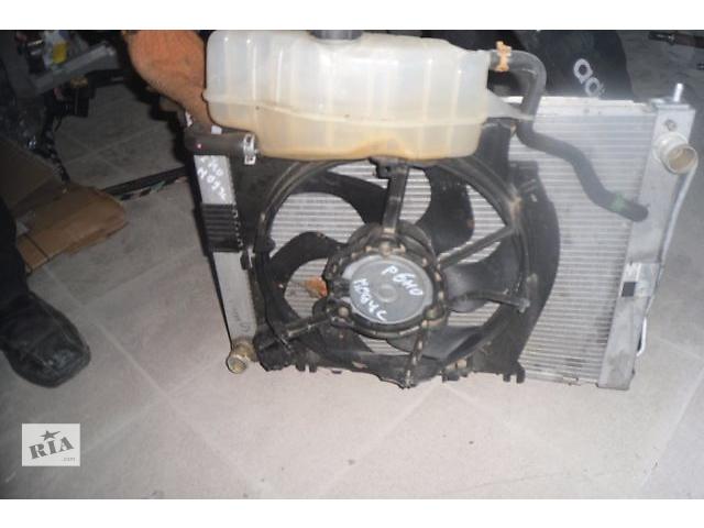 бу Б/у Діфузор радіатора для легкового авто Renault Modus 1.2 (2006) в Ровно