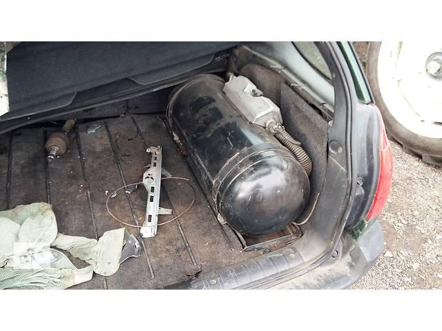 бу Б/у днище багажника для легкового авто Peugeot 306 в Ровно