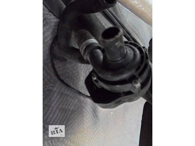 купить бу Б/у Докачующий моторчик тосола Bosch для автобуса Volkswagen CrafterФольксваген Крафтер 2.5 TDI в Рожище