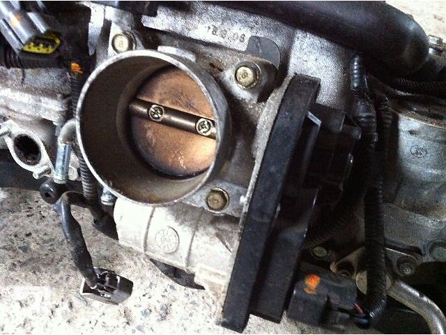 купить бу Б/у Дросельная заслонка 2.0 бензин(EJ-20) Subaru Forester Хэтчбек 2005-2007г в Львове