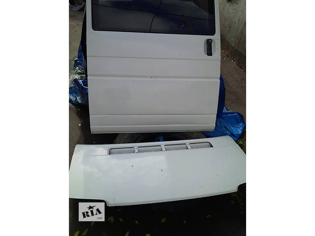 продам Б/у дверь боковая сдвижная для автобуса Volkswagen T4 (Transporter) бу в Ровно