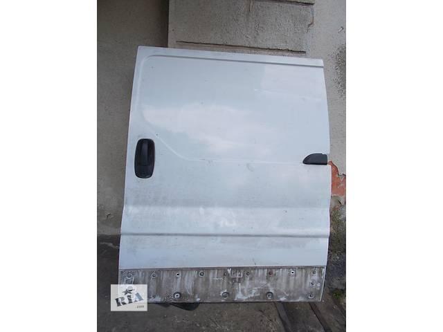 Б/у дверь боковая сдвижная Nissan Primastar- объявление о продаже  в Стрые