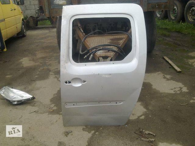 бу Б/у дверь боковая сдвижная для легкового авто Renault Kangoo 2014 в Калуше