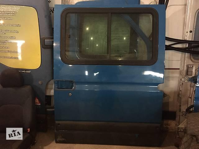 продам Б/у дверь боковая сдвижная левая низкая для легкового авто Renault Master 97-10 бу в Ужгороде