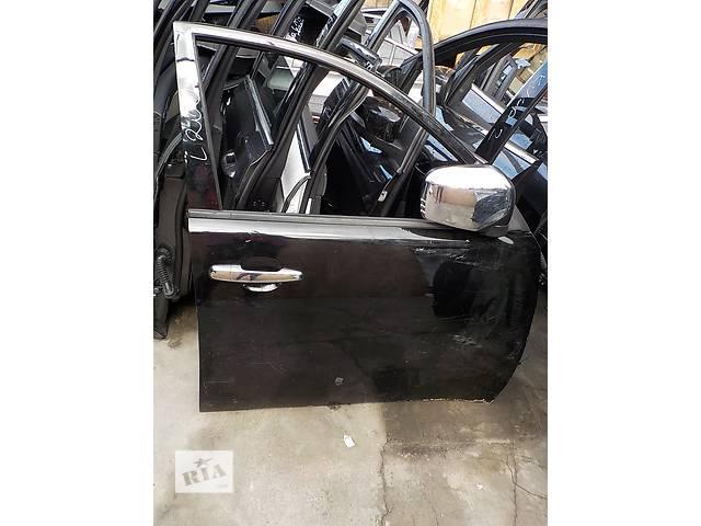 купить бу Б/у дверь передняя для кроссовера Mitsubishi Pajero Sport в Ровно