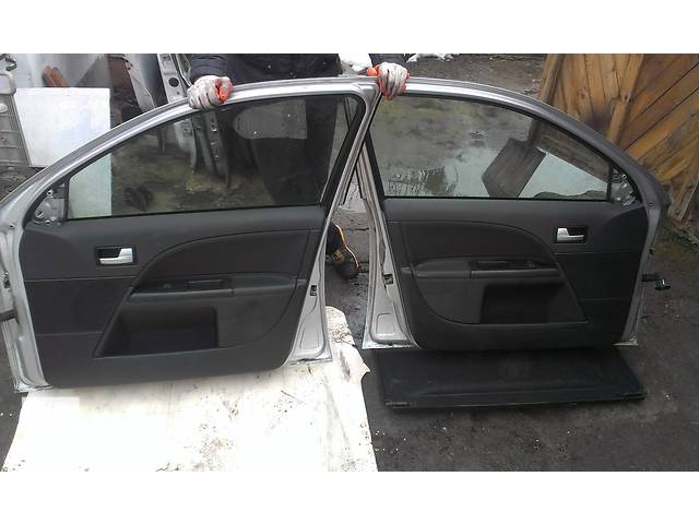 продам Б/у дверь передняя для легкового авто Ford Mondeo Mk 3 бу в Ковеле
